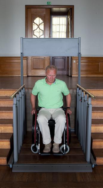 Escaleras convertible en plataformas elevadoras liftech s a for Silla convertible en escalera
